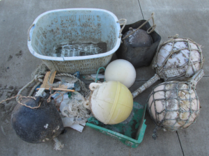 tsunami_debris_crates_buoys